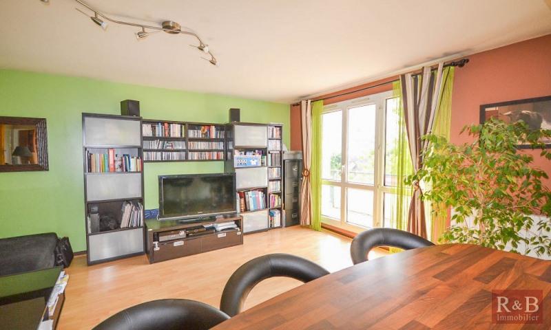 Sale apartment Plaisir 170000€ - Picture 2