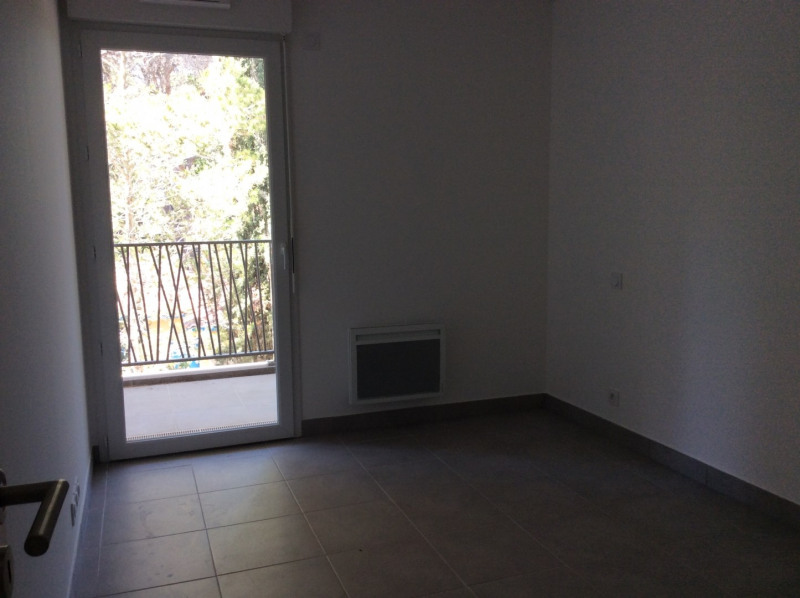 Rental apartment Fréjus 1 040€ CC - Picture 6