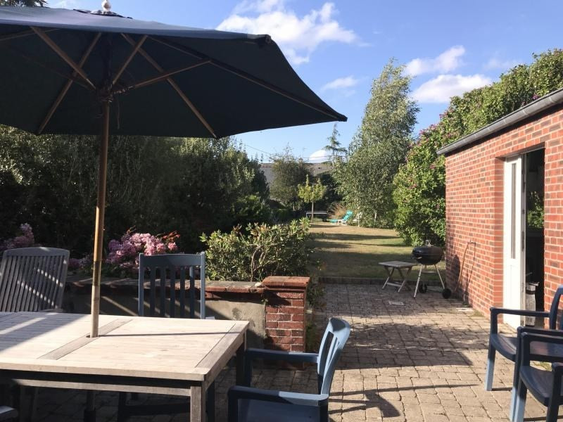 Sale house / villa St vaast la hougue 371 000€ - Picture 2