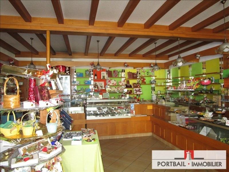 Sale building Montendre 254400€ - Picture 2