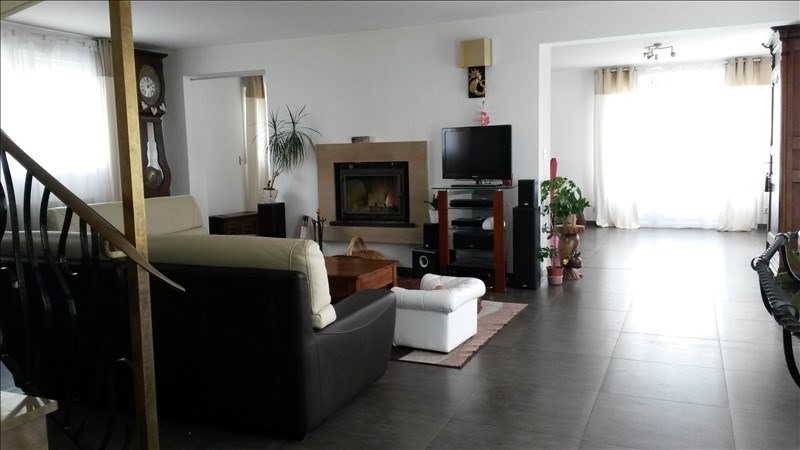 Sale house / villa Aiffres 301900€ - Picture 2