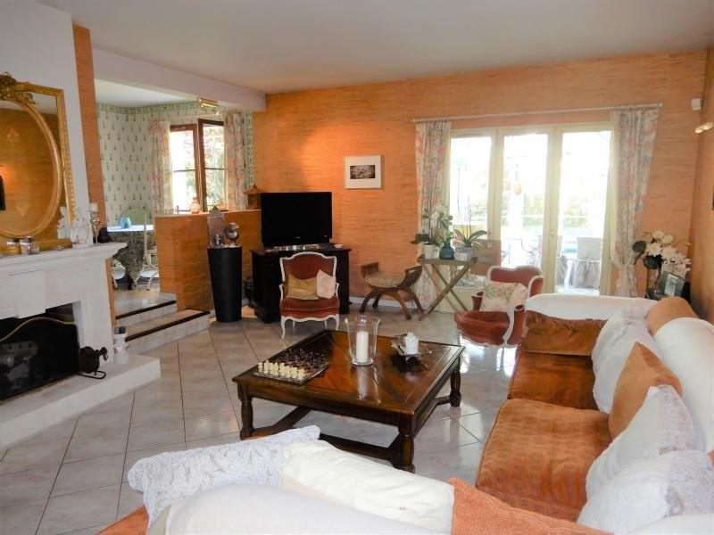 Sale house / villa Mennecy 383000€ - Picture 2