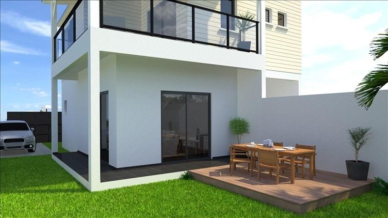 Sale house / villa Les avirons 320000€ - Picture 1