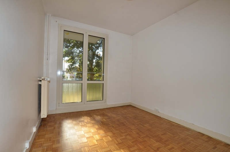 Locação apartamento Bois d'arcy 920€ CC - Fotografia 6
