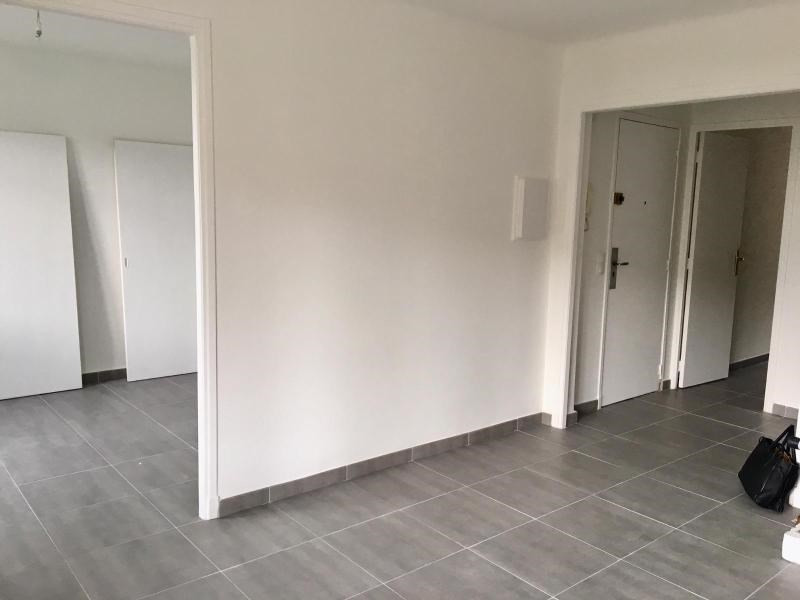 Location appartement Aix en provence 1 075€ CC - Photo 2