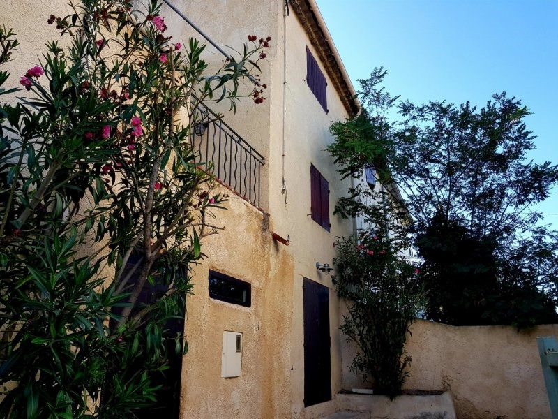 Rental house / villa Barbentane 700€ CC - Picture 1