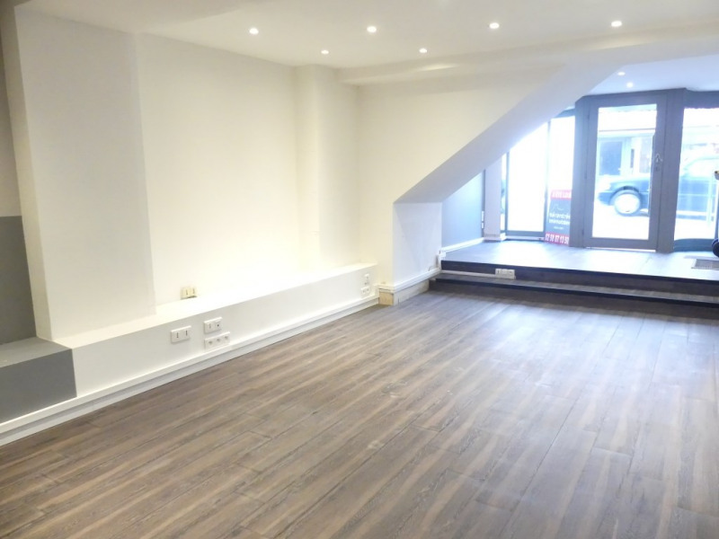 Location local commercial Pont l abbe 750€ HC - Photo 3