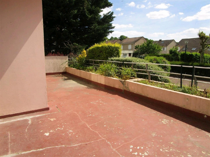 Sale apartment Taverny 220500€ - Picture 2