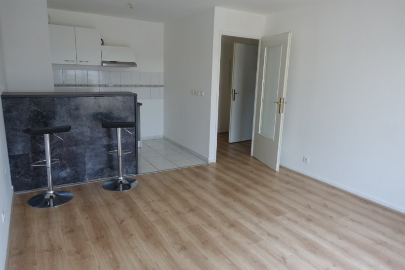 Location appartement Chanteloup les vignes 645€ CC - Photo 1
