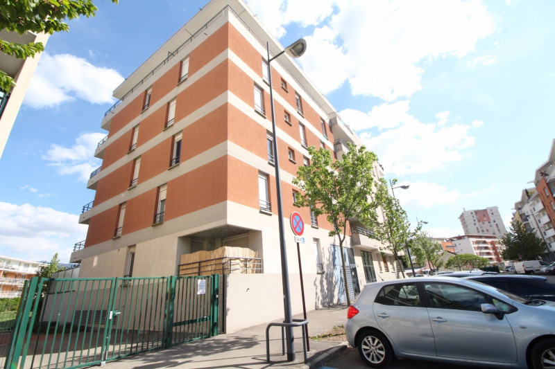 Location appartement Échirolles 605€ CC - Photo 9