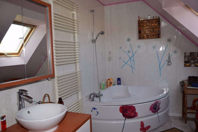 Sale house / villa Seiches sur le loir 227 700€ - Picture 6