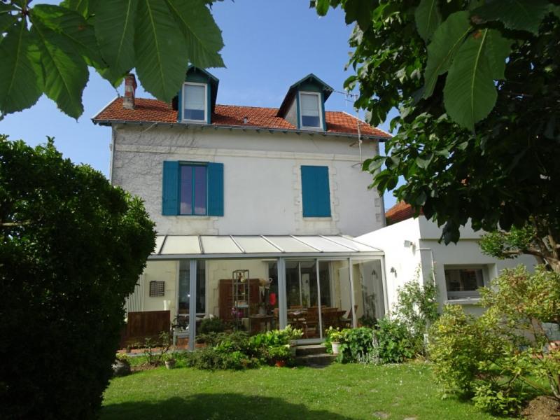 Deluxe sale house / villa Chatelaillon plage 696800€ - Picture 1