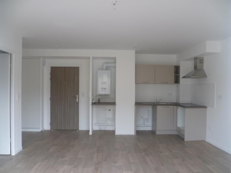 Rental apartment Pont l eveque 505€ CC - Picture 2