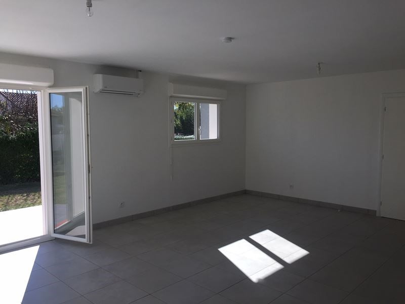 Location maison / villa Pibrac 1 020€ CC - Photo 2