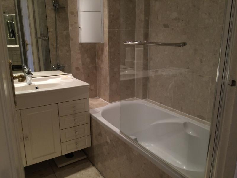 Rental apartment Paris 8ème 1400€ CC - Picture 6
