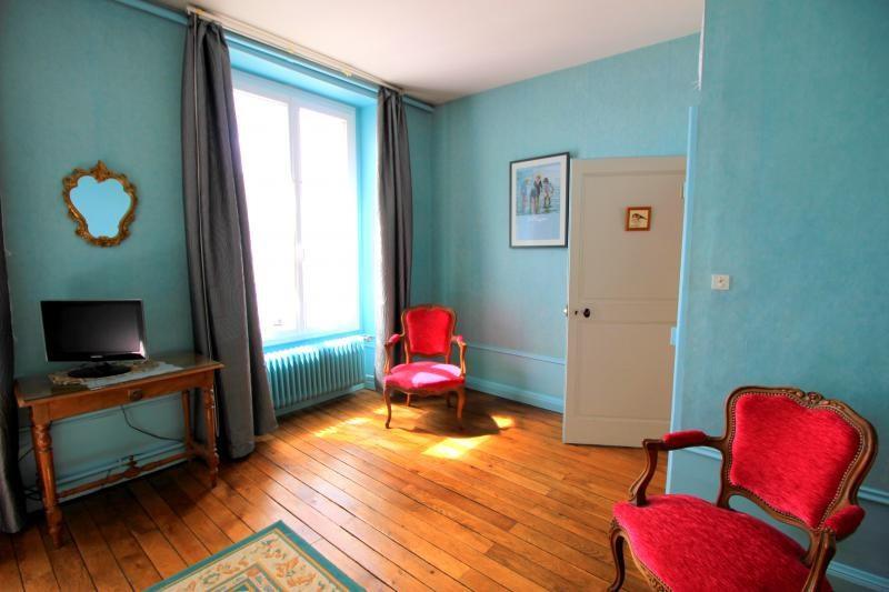 Sale house / villa La chartre sur le loir 232000€ - Picture 6