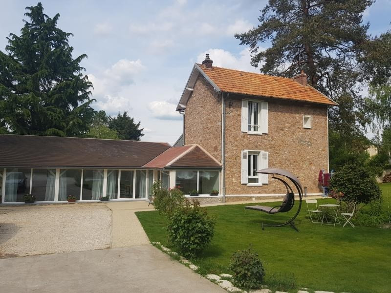 Sale house / villa Montfort l amaury 472000€ - Picture 1