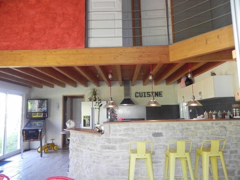 Sale house / villa Vouille 349000€ - Picture 2
