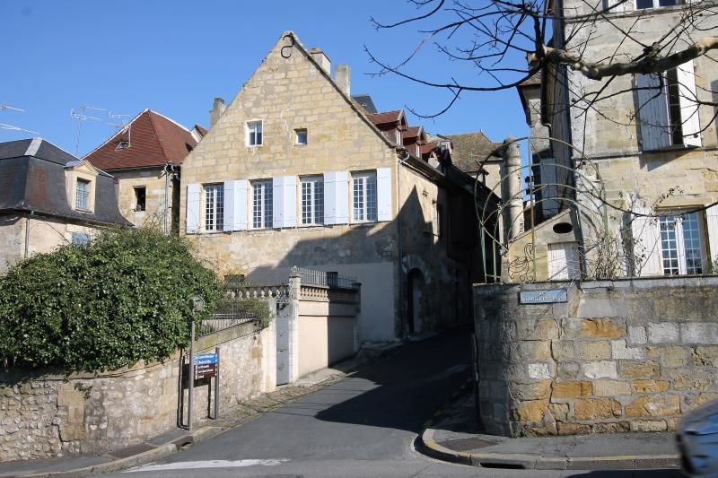 Sale house / villa Bergerac 400000€ - Picture 1