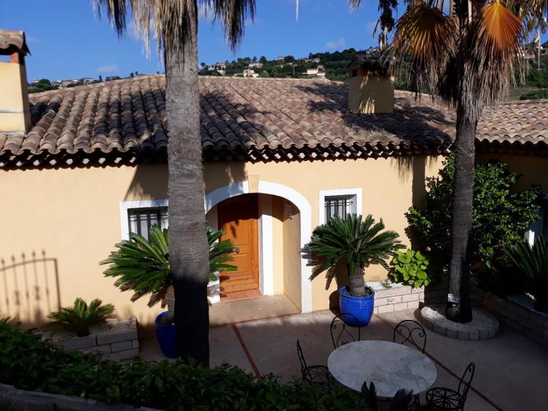 Location vacances maison / villa Sainte maxime 1667,50€ - Photo 2