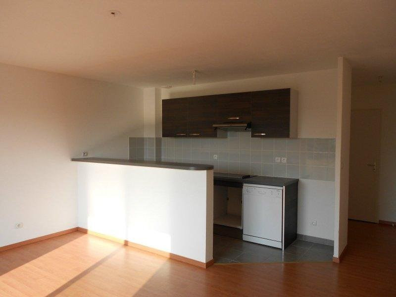 Rental apartment Frouzins 665€ CC - Picture 4