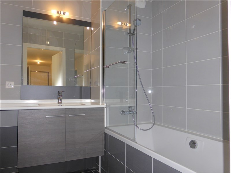 Rental apartment Ferney voltaire 1 805€ CC - Picture 6