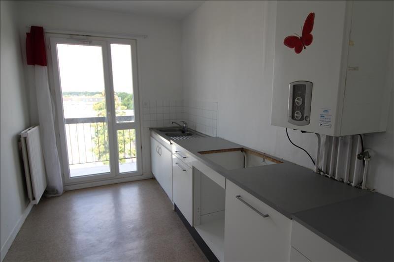 Rental apartment Maurepas 786€ CC - Picture 2