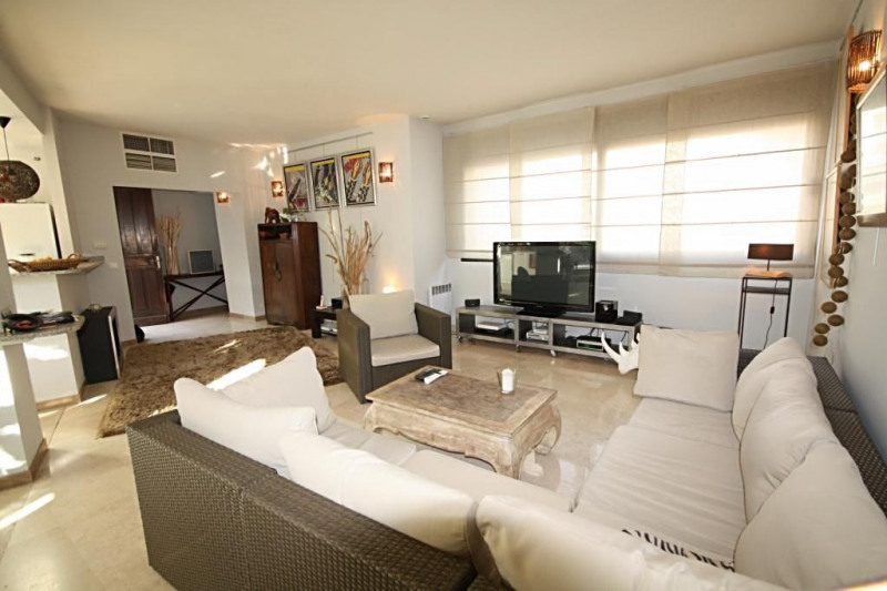 Sale apartment Juan-les-pins 550 000€ - Picture 2