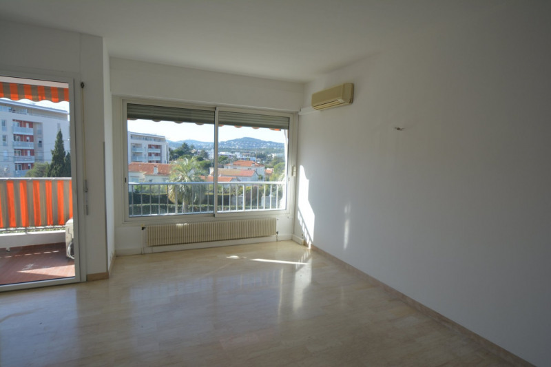 Sale apartment Antibes 209 000€ - Picture 2