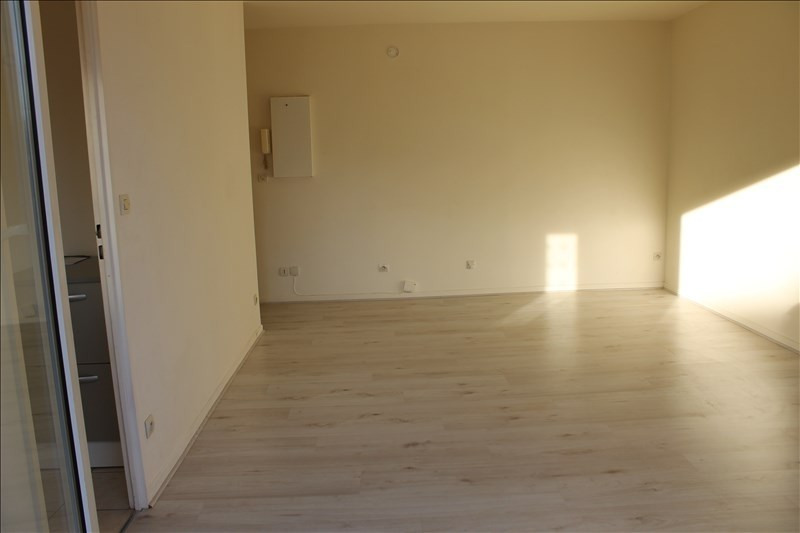 Rental apartment Osny 610€ CC - Picture 1