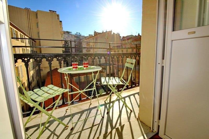 Location appartement Nice 760€ CC - Photo 1