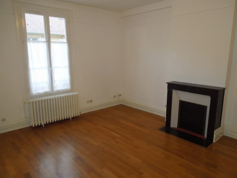 Location appartement Melun 634€ CC - Photo 2
