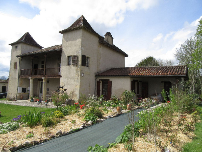 Sale house / villa Bassillac et auberoche 318000€ - Picture 1
