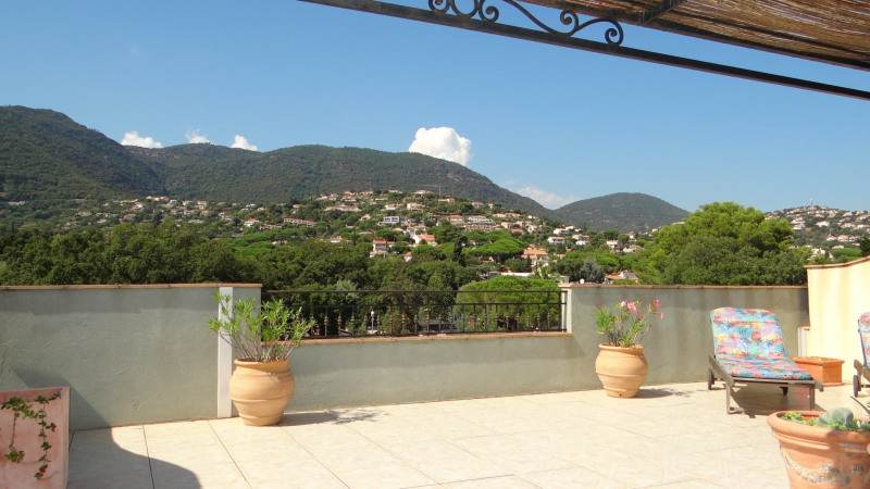Location vacances appartement Cavalaire 700€ - Photo 1