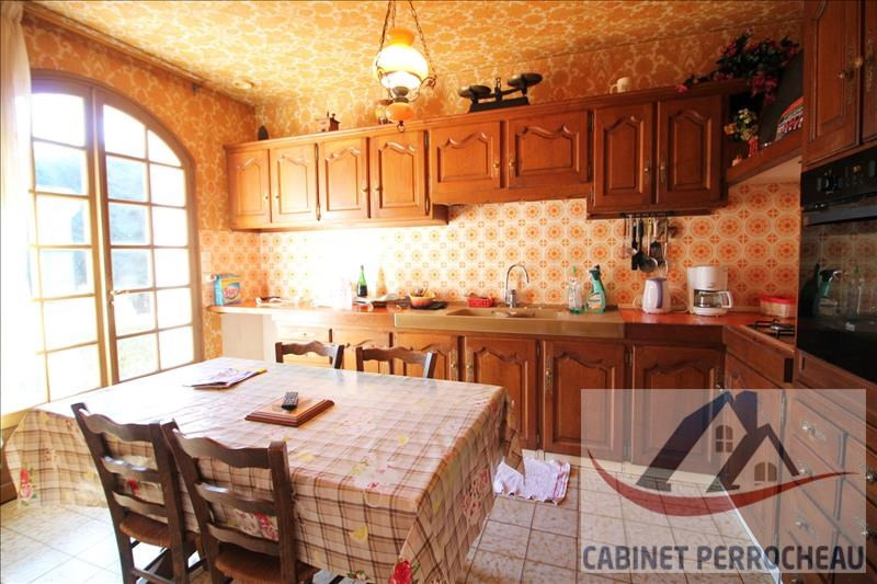 Sale house / villa La chartre sur le loir 274000€ - Picture 5