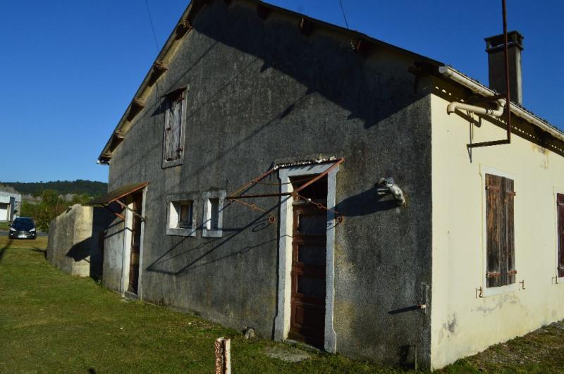 Sale house / villa Izeste 75000€ - Picture 1