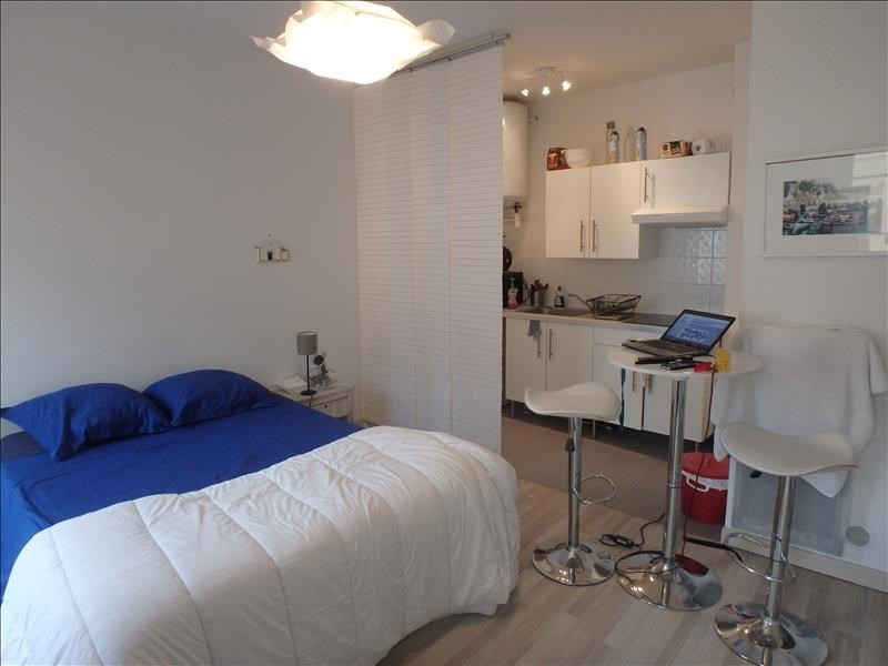 Rental apartment Versailles 687€ CC - Picture 1