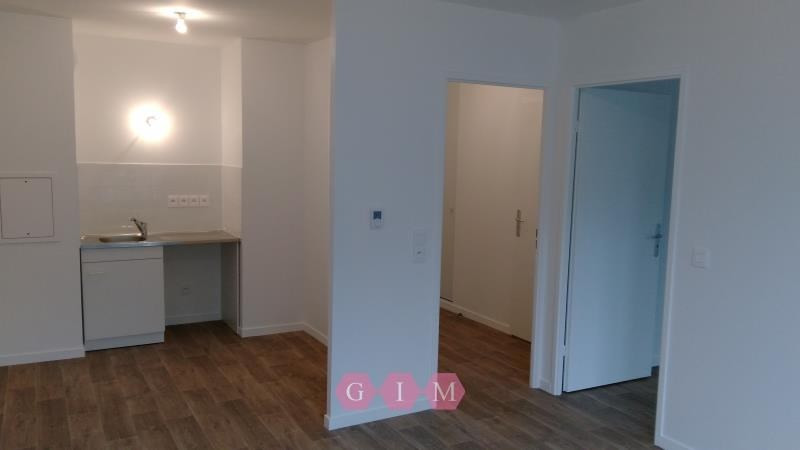 Rental apartment Carrieres sous poissy 711€ CC - Picture 3