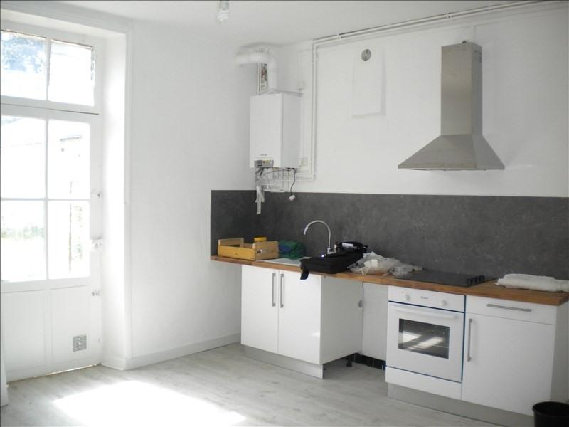 Rental apartment Vendome 452€ CC - Picture 1