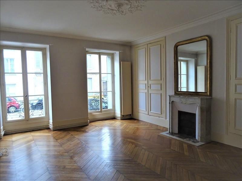 Rental apartment Versailles 1695€ CC - Picture 1