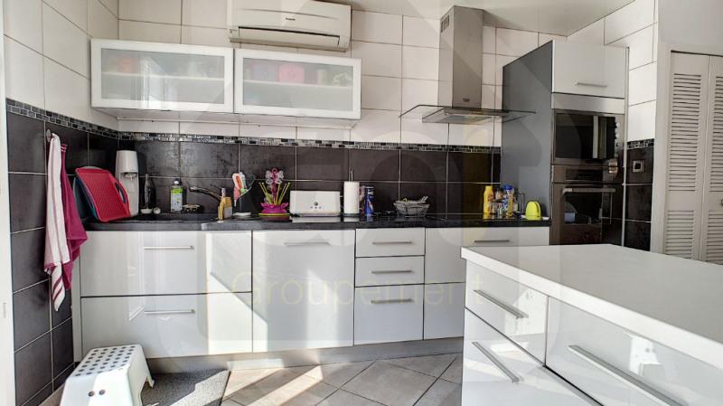 Sale house / villa Vitrolles 315000€ - Picture 4