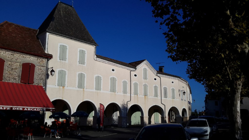 Sale house / villa Arzacq arraziguet 270000€ - Picture 1
