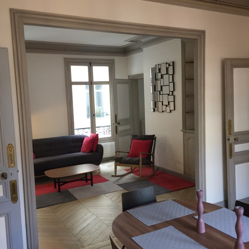 Location appartement Paris 16ème 2 800€ CC - Photo 2
