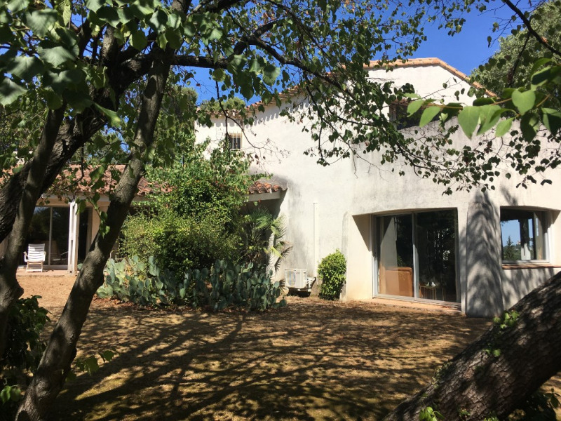 Deluxe sale house / villa Nimes 670000€ - Picture 1