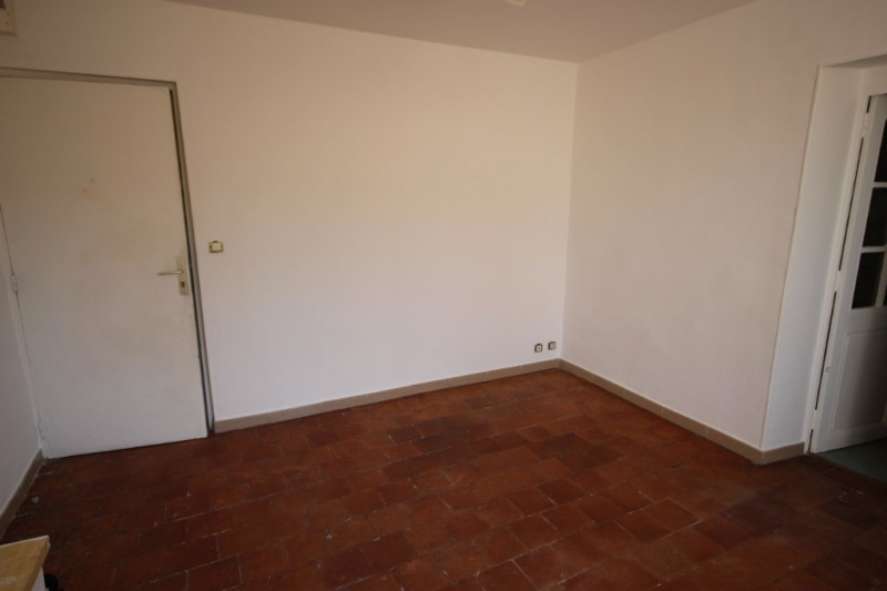 Rental apartment Lambesc 600€ CC - Picture 3