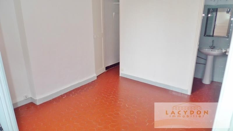 Location appartement Marseille 1er 456€ CC - Photo 4