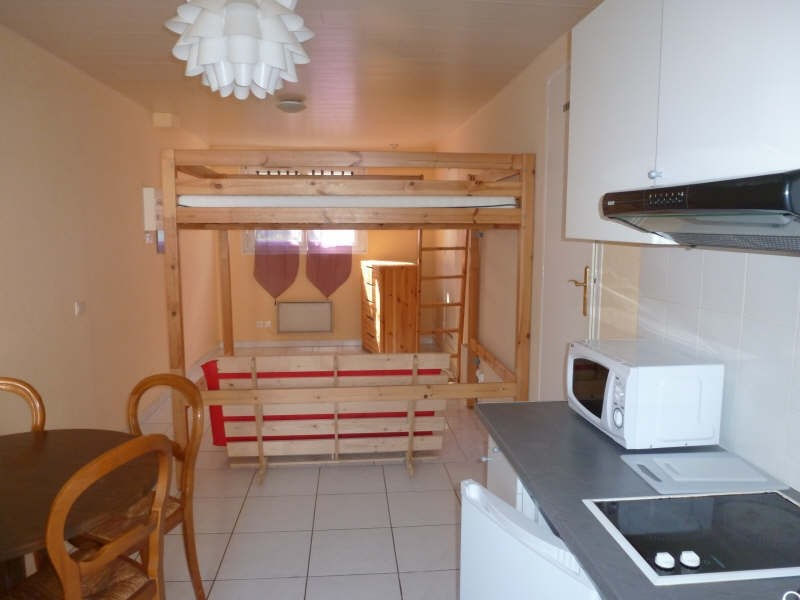 Location appartement Maurepas 564€ CC - Photo 1