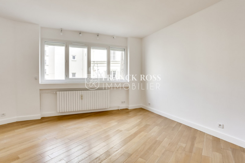 Location appartement Paris 16ème 2 630€ CC - Photo 10