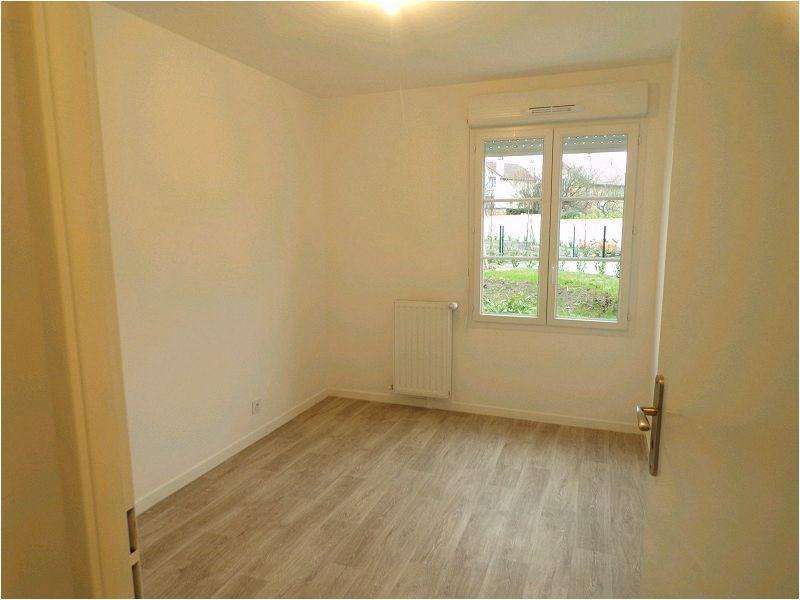Rental apartment Yerres 1148€ CC - Picture 5