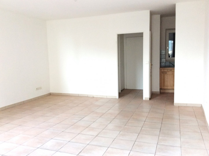 Location appartement Fréjus 490€ CC - Photo 2
